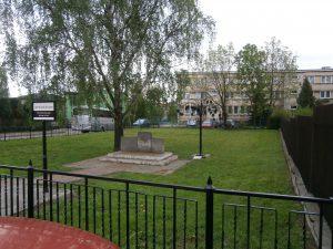 כיכר דוד בן גוריון בפלונסק, עיר הולדתו