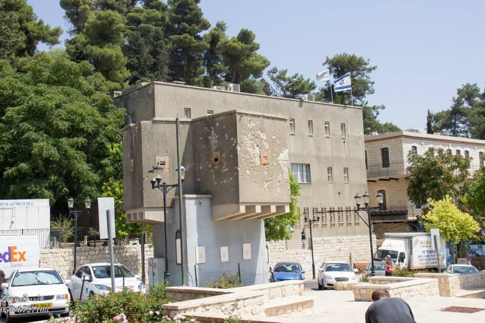 משטרת צפת וסימני הקרב על הקירות