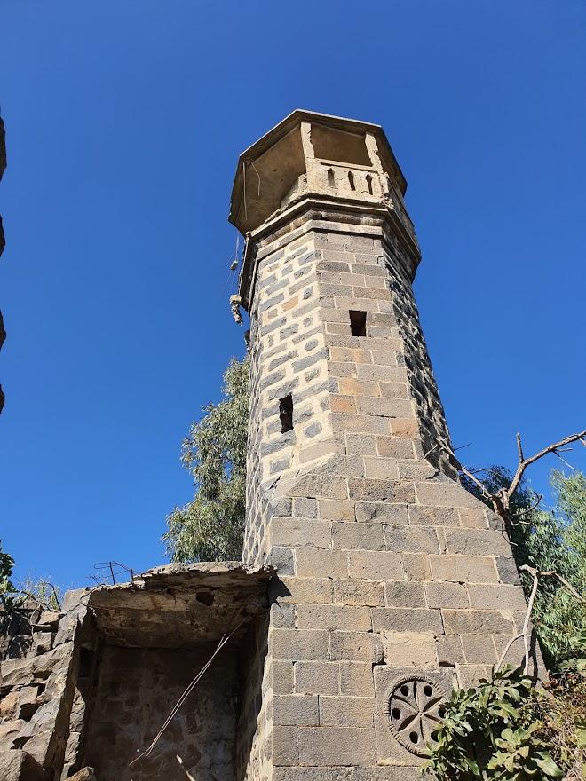 מגדל המסגד המבנה אינו יציב ומוסכן לטיפוס