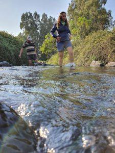 הליכה במים בעין תינה