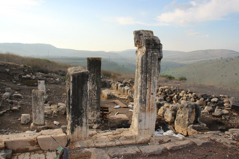 הכניסה לבית הכנסת העתיק בארבל