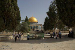 סביל אל-סאס בהר הבית ברקע כיפת הסלע. אמות המים לירושלים