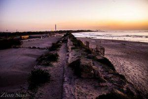 תעלה ג' בחוף קיסריה כיום סתומה בחול
