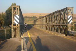 גשר הפקק על נהר הירדן.