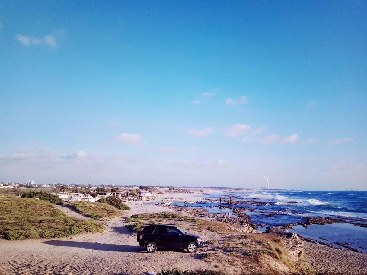 החוף הקסום של ג'סר א-זרקא