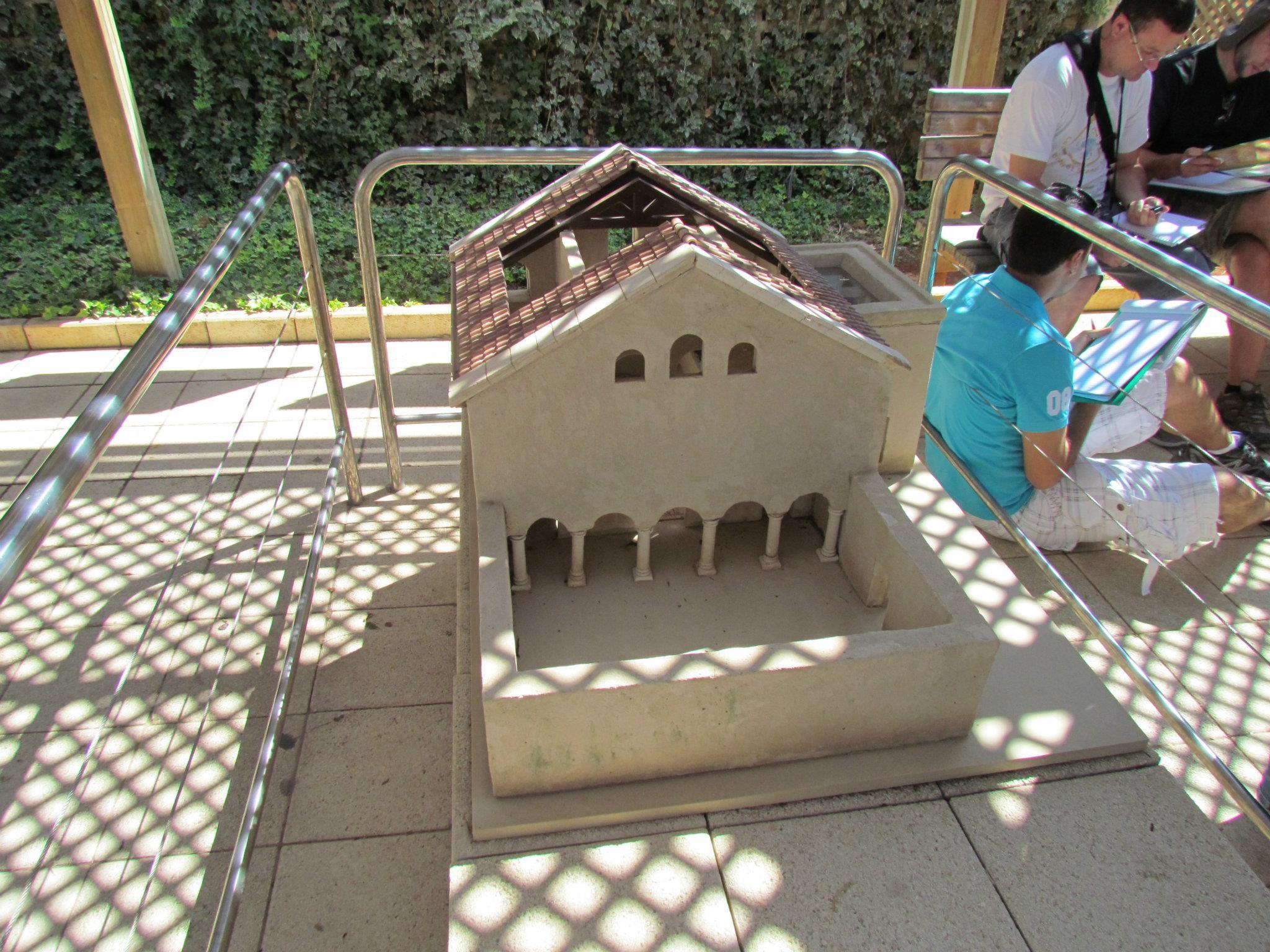 הצעת שחזור למבנה הבזיליקה של בית הכנסת בבית אלפא. צילום: Zion Susi Photography