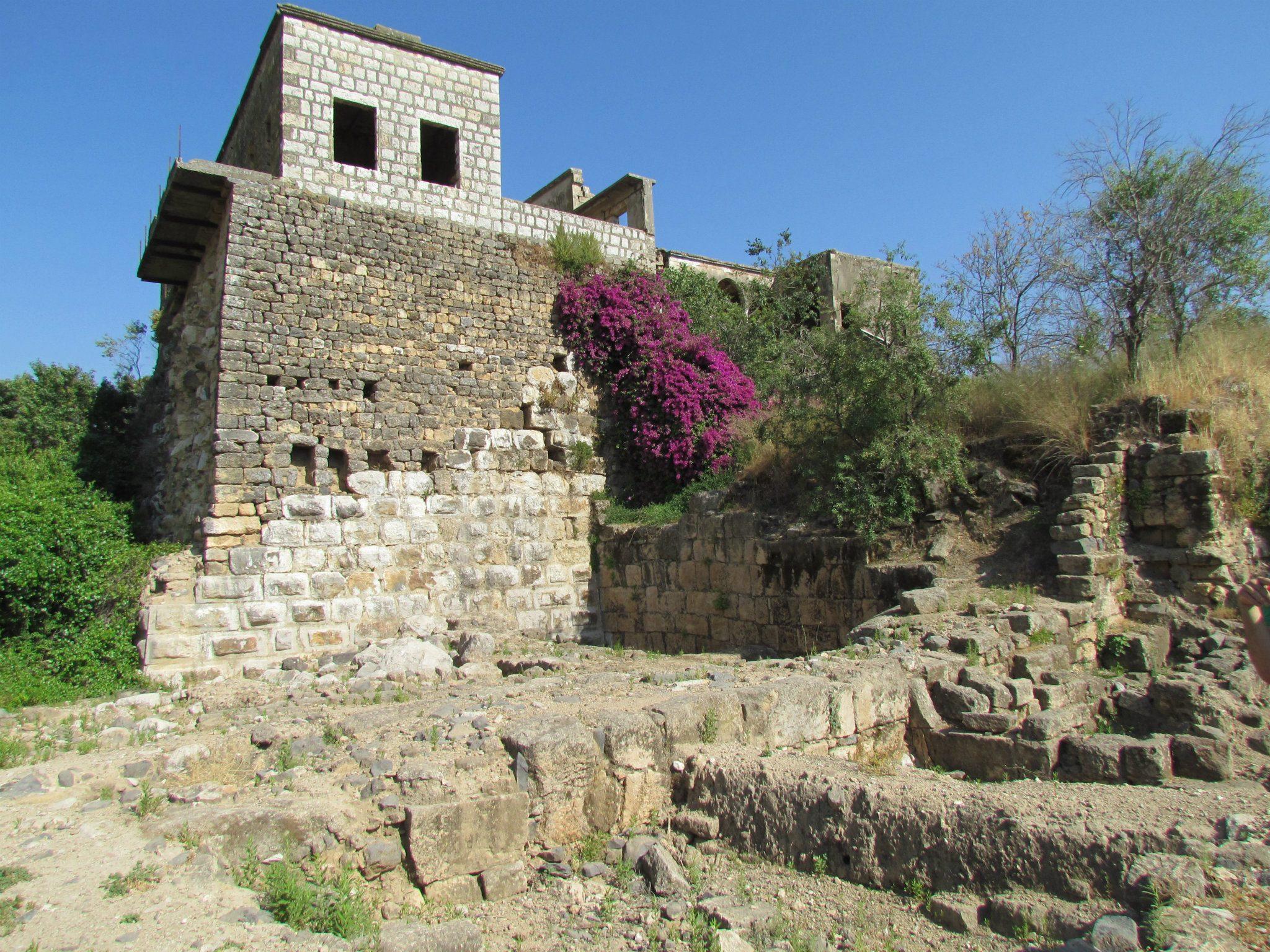 מגדל השמירה הסורי בעתיקות הבניאס.