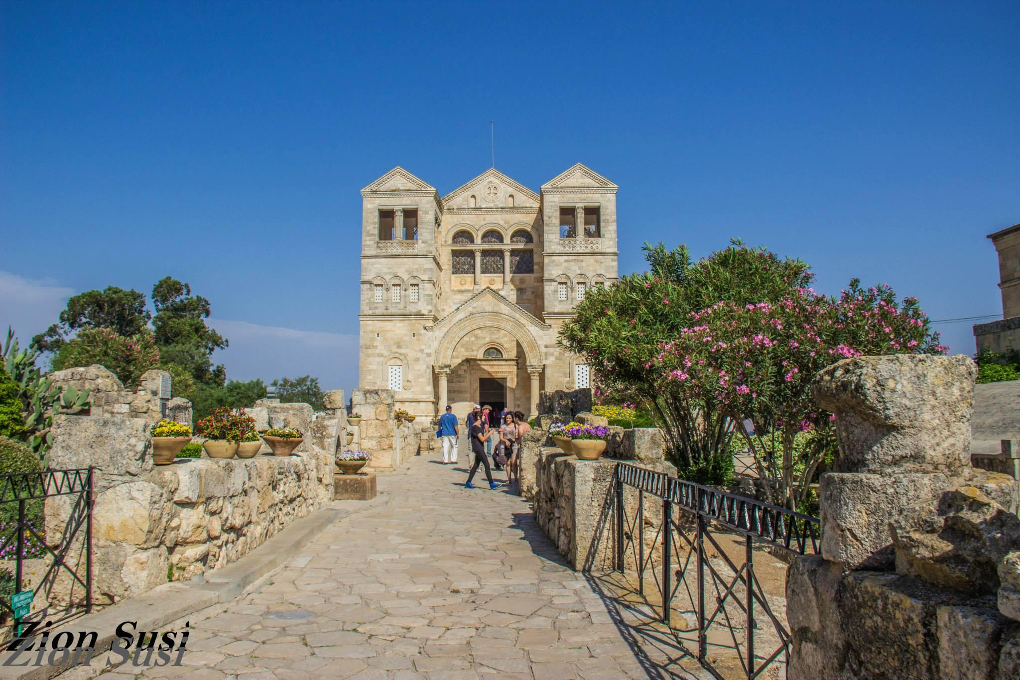 חזית המנזר הפרנסיסקני בהר תבור.