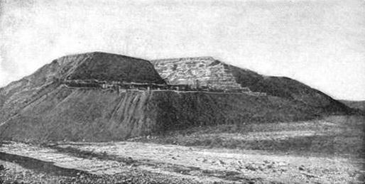 תל חסי בתקופה שבה זוהה בטעות כעיר לכיש. צולם בין השנים 1901–1906